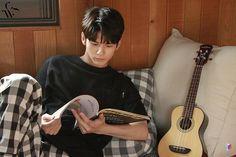 Ong Seongwoo, V Gif, Your Boyfriend, Kpop Boy, Super Junior, Handsome Boys, Boyfriend Material, Korean Actors, Kdrama