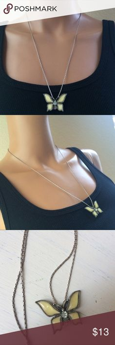Beautiful Butterfly Necklace Gorgeous butterfly necklace with pretty jewel center. Great condition always got compliments ❤️ Check out my Closet I Love to Bundle Discount  Jewelry Necklaces