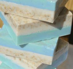 Diy Savon, Savon Soap, Soap Making Recipes, Homemade Soap Recipes, Homemade Cards, Shea Butter Soap, Bath Soap, Lotion Bars, Goat Milk Soap