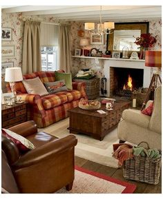 Cottage Living Rooms, Home Living Room, Living Room Decor, Cottage Bedrooms, English Living Rooms, Primitive Living Room, English Country Decor, French Country, Country Style Homes