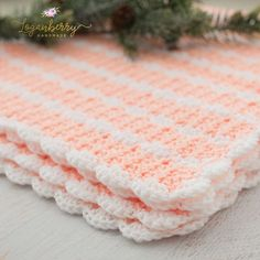 peaches and cream crochet baby blanket, baby blanket crochet pattern, crochet baby blanket tutorial, free crochet pattern, how to crochet a baby blanket, crochet blanket with scallop trim, scallop edge crochet blanket, peach blanket, pink and white blanket