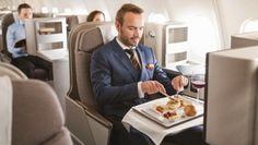 Conheça as opções gastronômicas para classe econômica e primeira classe por 10 grandes aéreas mundiais e se entristeça ao lembrar o que é serviço na econômica das aéreas brasileiras, quando o serviço ainda persiste.  #viagens #turismo #lifestyle #gastronomia #travel