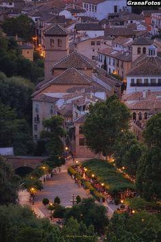 Las diez fotos sobre Granada que han revolucionado el año Andalusia Spain, Granada Spain, Sierra Nevada, Spain Holidays, Travel Memories, Spain Travel, Best Hotels, Travel Pictures, Paris Skyline
