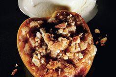 Roasted Peaches with Amaretti Crumble