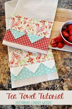 DIY Sewing Projects for the Kitchen - Adorable Tea Towel - Easy Sewing Tutorials and Patterns for Towels, napkinds, aprons and cool Christmas gifts for friends and family - Rustic, Modern and Creative Home Decor Ideas Diy Sewing Projects, Sewing Projects For Beginners, Sewing Hacks, Sewing Tutorials, Sewing Crafts, Sewing Tips, Sewing Ideas, Weaving Projects, Diy Crafts