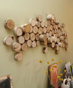 Wall art made of used toilet paper rolls is cool but the one made from wood strips or from wood logs is better. DIY wall art from wood logs is super Metal Tree Wall Art, Diy Wall Art, Wood Wall Art, Diy Art, Diy Design, Design Ideas, Interior Design, Mur Diy, Log Wall
