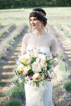 Classically gorgeous bridal bouquet | Tiffany Joyce Photography | see more on: http://burnettsboards.com/2015/11/lemon-lavender-wedding/