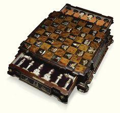 Backgammon, Chess Boxing, Chess Set Unique, Art Through The Ages, Blacksmith Shop, Chess Pieces, Vintage Games, Queens, Workshop