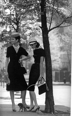 Isabella and Anne St. Marie, Gramercy Park, NYC, New York, 1959. Vintage fashion.