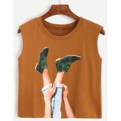 SheIn(sheinside) Camel Graphic Print Crop Top (€7,45) ❤ liked on Polyvore featuring tops, blusas, ropa, shirts, camel, graphic shirts, polyester shirt, cami shirt, brown crop top and cut-out crop tops