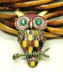 Gold Owl Brooch.
