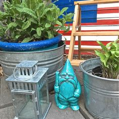 This little spot is at the end of our driveway, near the garage. I made the pallet American flag last summer. But my heart belongs to this garden Gnome. He is so stoic and the most beautiful color turquoise. Love him!  #ilovetodecorate #iloveikea #ikea #i