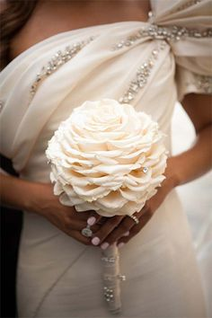 Bouquet of white roses wedding reconstituted, pearls, diamonds