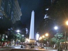 Obelisco nocturno desde Diagonal Norte