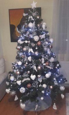 Náš tohtoročný stromček 😊😇