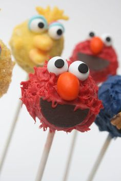 Elmo Cake Pops, Sara these would be cute for Lylas Birthday!!