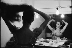 Henri Cartier-Bresson – Svetlana BERIOSOVA, prima ballerina. Great-Britain. England. London