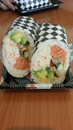 Sushi Burrito from Samurai Burrito in Fountain Valley, CA Life changing 😭 That looks soooo good I Love Food, Good Food, Yummy Food, Sushi Burrito, Onigirazu, Asian Recipes, Healthy Recipes, Filling Food, Aesthetic Food