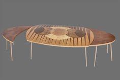 Unikatowe meble z drewna, stoł ZAĆMIENIE. Autor Monika Jaszczak