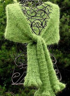 Suri Dream Ruffled Stole or Scarf - Knitting Patterns by Diane L. Augustin