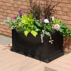 Mayne 5826 Fairfield Black 20-in x 36-in Rectangular Patio Planter at Lowe's Canada