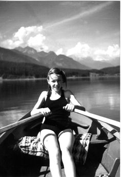 Ingeborg Bachmann Beautiful Mind, Beautiful People, Old Fords, Innsbruck, Heart For Kids, Black And White Pictures, Vintage Beauty, Black And White Photography, Strong Women