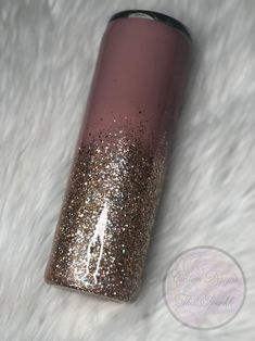 Diy Tumblers, Custom Tumblers, Glitter Cups, Gold Glitter, Vinyl Crafts, Resin Crafts, Pink And Gold, Blush Pink, Diy Mugs
