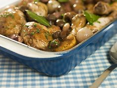 Who would have ever thought you could make a casserole as supremely delicious as coq au vin and make it low fat? I was so glad to find this recipe, as it allows me and my family to enjoy the great taste of coq au vin without all the fat. Potluck Recipes, Meat Recipes, Cooking Recipes, Healthy Recipes, Potluck Meals, Weeknight Meals, Chicken Drumstick Recipes, Chicken Recipes, Recipe Chicken
