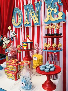 Mickey Mouse Circus Table by Bizzie Bee Creations - selina Carnival Party Decorations, Circus Carnival Party, Circus Theme Party, Carnival Birthday Parties, First Birthday Parties, Circus Party Centerpieces, Circus Wedding, Carnival Costumes, Dumbo Birthday Party