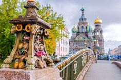 Discover Russia on a tailor-made tour. San Petersburg, St Petersburg Russia, Visit Russia, Trans Siberian Railway, Winter Palace, Backpacking Asia, We Are The World, Destinations, Asia Travel