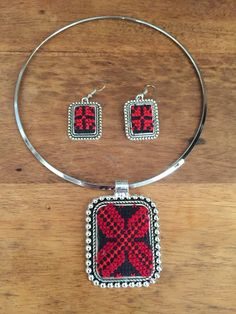 Silver colour Necklace and earing sets with от PalestinianStitches