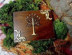 White tree of Gondor wedding rings box Lord of the Rings theme moss ring bearer personalized laser cut sola flowers natural woodland LotR