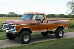 Old Ford Pickup Truck, Old Ford Pickups, Old Pickup, Ford 4x4, Ford Pickup Trucks, 4x4 Trucks, Custom Trucks, Cool Trucks, Classic Ford Trucks