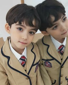 Cute Kids Pics, Cute Baby Girl Pictures, Cute Baby Boy, Cute Little Baby, Little Babies, Baby Photos, Cute Boys, Cute Asian Babies, Korean Babies