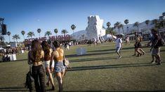 Coachella Festival with Smart Car/Mercedes Benz - The Style Traveller Coachella Festival, Coachella Style, Smart Car, Mercedes Benz, Dolores Park, Road Trip, California, Street Style, Concert