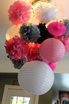 Hanging decor: lanterns and tissue pom poms! Festa Party, Sweet 16 Parties, Cat Party, Deco Table, Paper Lanterns, Holidays And Events, Event Decor, Party Planning, Party Time