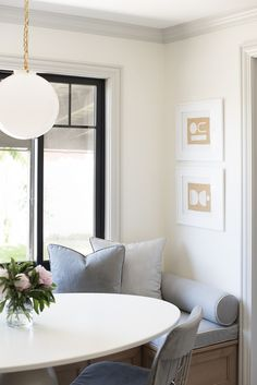 How to Design A Cohesive Home That Flows - roomfortuesday.com Dining Nook, Dining Room Small, Dining Room Design, Oval Table Dining, Nook Table, Elegant Furniture, Room Decor, Dining Room Decor, Small Dining