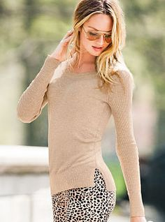 Beautiful neutral sweater with printed bottom