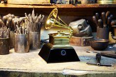 GRAMMYcam – para assistir ao Grammy Awards pelo ponto de vista do troféu - Blue Bus