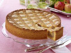 Fyrstekake - Norwegian Prince's Cake Prince Cake, Norwegian Food, Norwegian Recipes, Cake Fillings, Food Festival, No Bake Desserts, Let Them Eat Cake, Baked Goods, Sweet Tooth