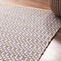 Tapis 100% coton tiss� main motifs relief losanges gris et jaune Inayat