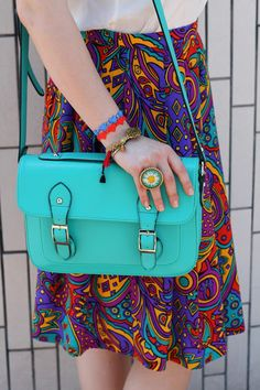 THE POWER OF COLOR | Glam & Curvy