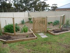 what a cute little veggie patch. Oh I love it! Would be perfect at your place!