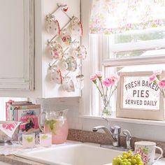 Tinkered Treasures gorgeous kitchen