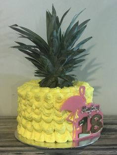 #pineapple #pineapplecake #buttercreamcake #buttercream #flamingoparty #flamingo #hawaiian #hawaiianparty #luau #hawaiiiantheme #caketopper #18thbirthday #creativelaserdesign https://m.facebook.com/creativelaserdesign2016/