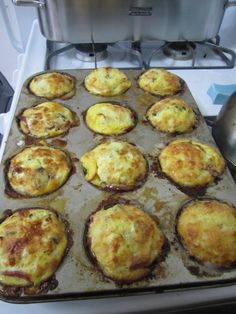 """Quiche cupcakes for a quick breakfast... There could be something here... """"Easy Quiche in Cupcake pan for a healthy breakfast on the go."""""""
