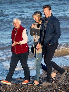 Tom Hiddleston's Mom Can't Stop Gushing About Taylor Swift: 'She Was Almost Immediately Part of the Family,' Says a Family Source| Couples, Music News, Taylor Swift, Tom Hiddleston