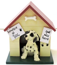 Vintage Musical Dog HousePlays Doggie in the by QVintage on Etsy Beware Of Dog, Music Boxes, Christmas Gifts, Christmas Ornaments, Vintage Music, Free Design, Musicals, Birthday Gifts, Play