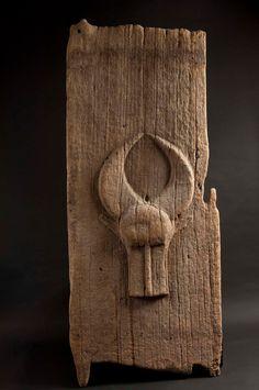 Porte, Baoulé (Côte d'Ivoire), bois. Début XXe s. Collection particulière (Paris)