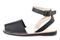 Avarca sandal, aka menorquina, Classic Style Strap avarca Pons in Black color by Avarcas USA